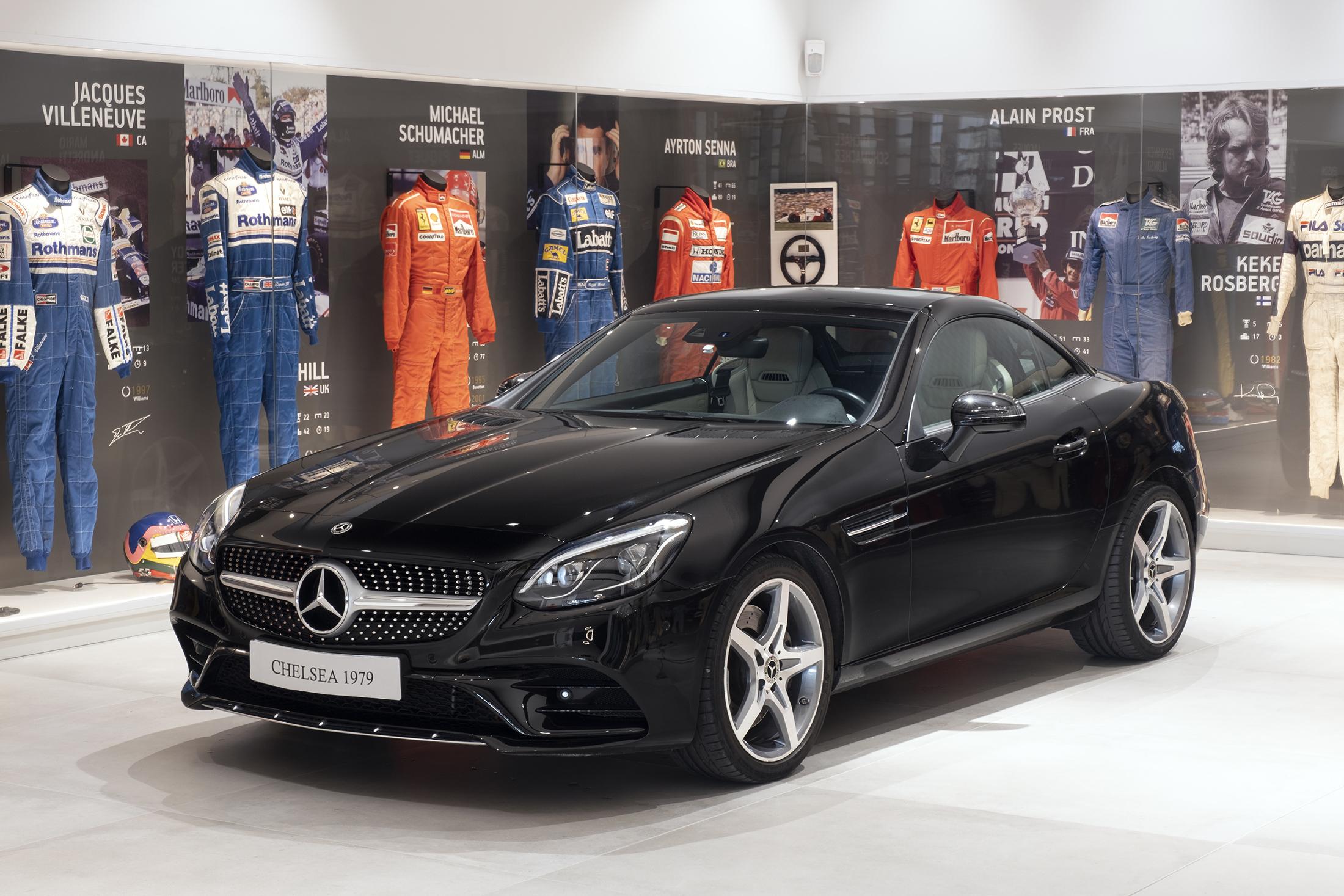 Mercedes SLK 01 1 MERCEDES-BENZ SLC 200